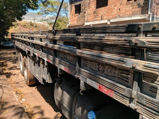 Carroceria madeira Itabaiana 8'5 mais encerado ( valor a parte) - Foto 4