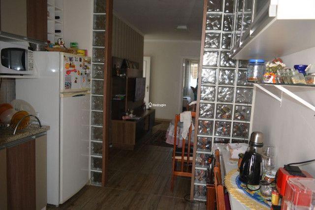 Casa 2 dormitórios, em condomínio fechado, playground, quadras de esportes - Foto 4