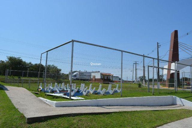 Casa 2 dormitórios, em condomínio fechado, playground, quadras de esportes - Foto 10