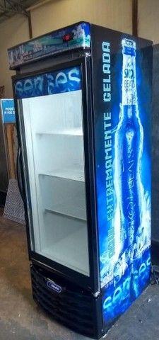 Plotagem top frezer cervejeira vertical Metalfrio bem conservada gelando bastante - Foto 2