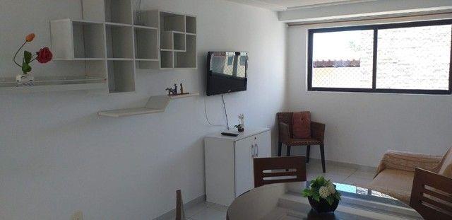 Excelente apto 2 quartos/2 BWs, mobiliado, no Cabo Branco, 1 quadra da praia.