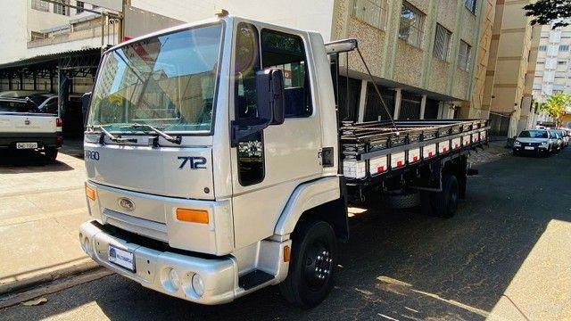 Caminhão Cargo 712 2007
