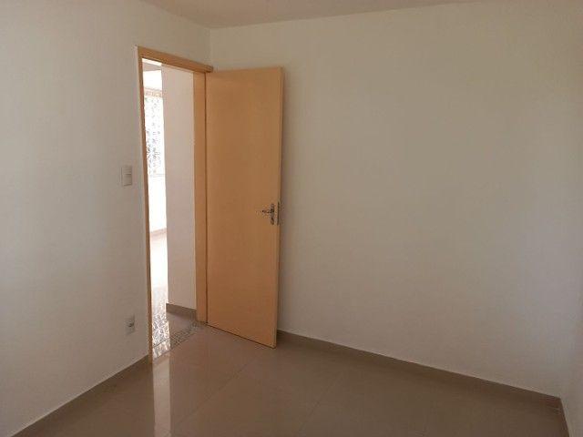 Excelente apartamento reformado em Realengo no Cond. Limites - Foto 7
