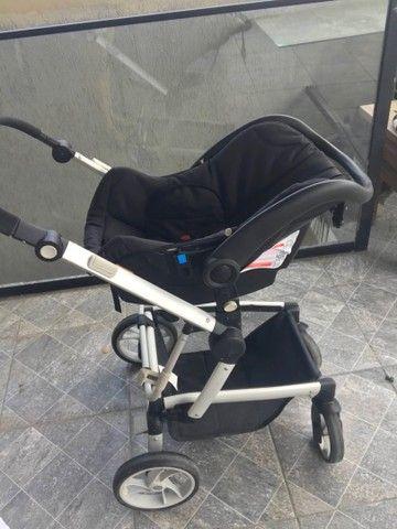 Carrinho de bebê berço com bebê conforto  - Foto 2