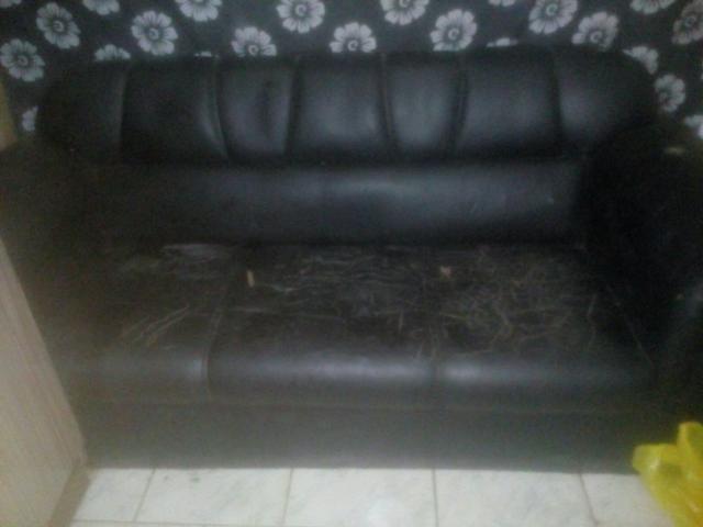 Vendo sofá 300 rais