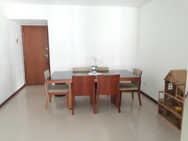 Vende - se Apartamento Jardim Camburi