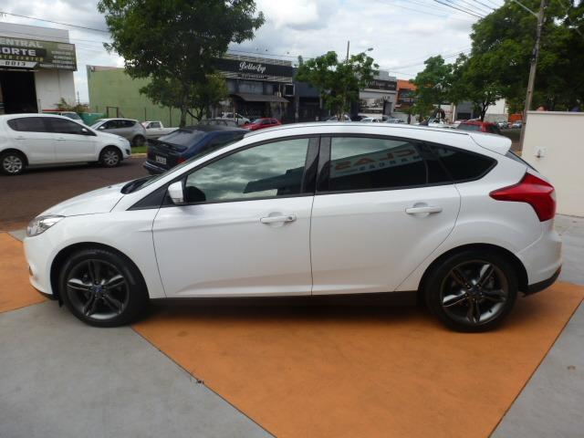 Ford Focus Hatch SE 2.0 16V PowerShift - Foto 8