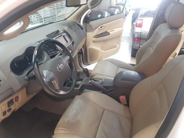 Toyota Hilux SW4 3.0 aut. 7 lugares - Foto 9
