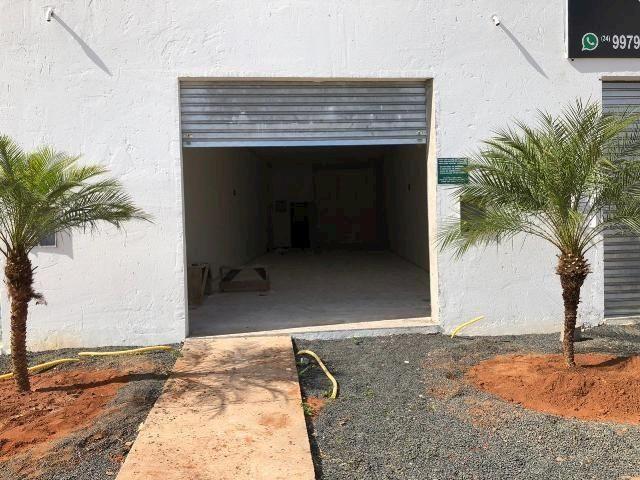 Loja comercial para alugar em Loteamento residencial pequis, Uberlândia cod:875518