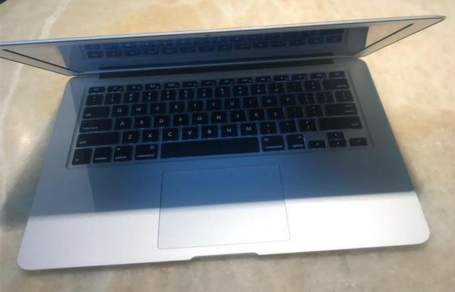MacBook Air 13'' 2015 i5 8GB Ram 256GB Ssd - Seminovo - Foto 3