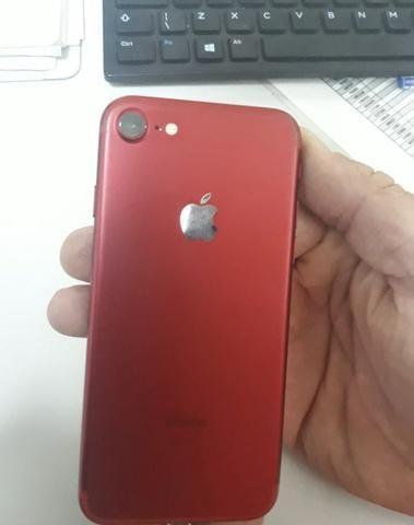 IPhone 7 Red 128 GB - Vendo ou troco - Foto 2