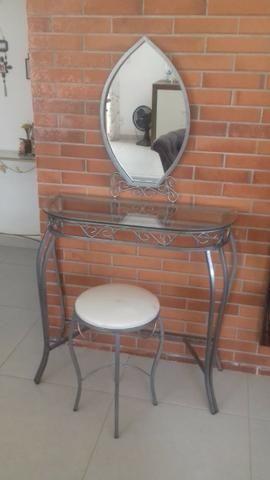 Penteadeira de ferro e vidro com espelho e banqueta - Foto 5