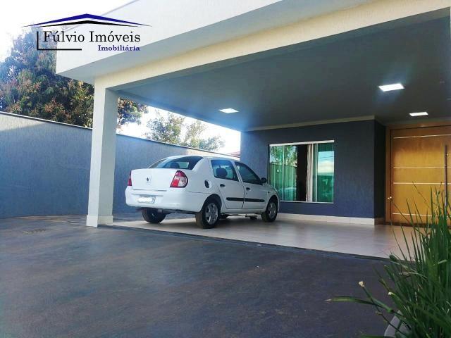 Maravilhosa casa moderna, completa em armários, ar condicionado, 05 quartos, 04 com suítes - Foto 2