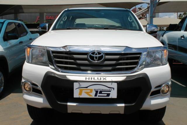 Toyota Hilux Cabine Dupla Hilux 2.7 4x2 CD Srv (Flex) (Aut) 2015 - Foto 2