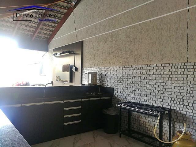Maravilhosa casa moderna, completa em armários, ar condicionado, 05 quartos, 04 com suítes - Foto 20