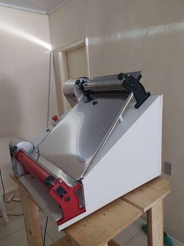 Modeladora abre massa de pizza até 45 cm  - Foto 4