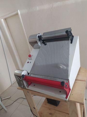 Modeladora abre massa de pizza até 45 cm  - Foto 3