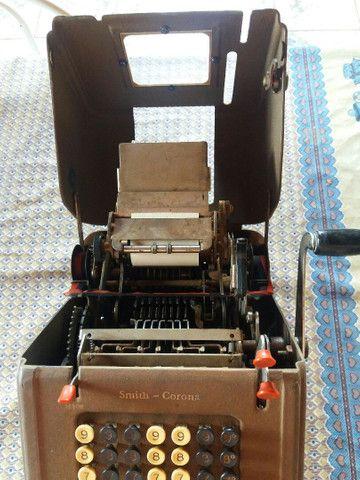 Máquina de somar antiga.  - Foto 3