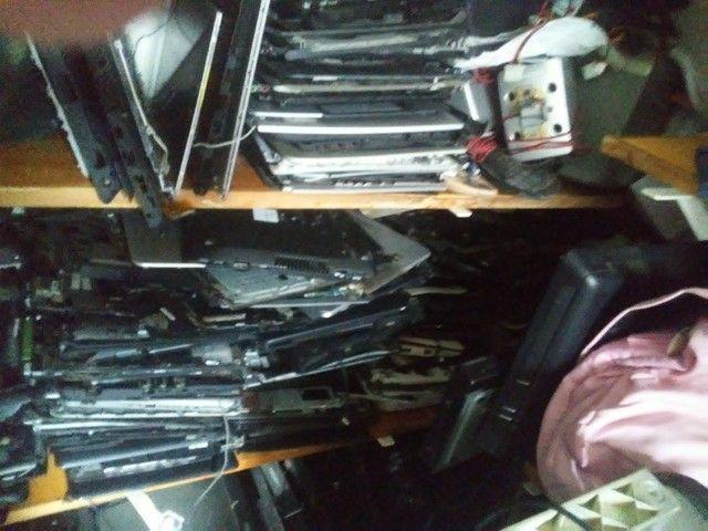 Carcaça de notebook e varias peças de notebook