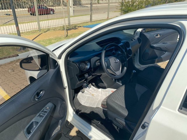 Toyota Etios 1.3 Flex  2016 - Foto 3