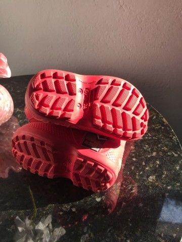 Galocha/bota crocs infantil c7 - Foto 5