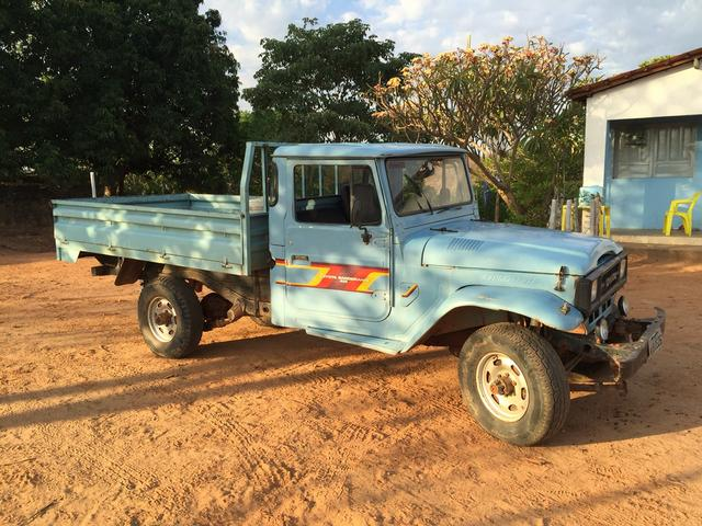 TOYOTA BANDEIRANTE PICK-UP. BAND.