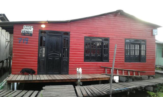 Vende-se ou aluga-se casa no bairro do Congós área de ponte.