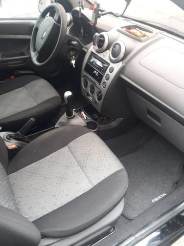 Ford Fiesta hatch class 1.6 - Foto 4