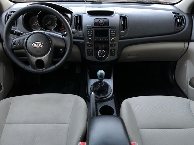 Kia cerato 2011 ex2 mecânico com ar digital, completíssimo!!! - Foto 6