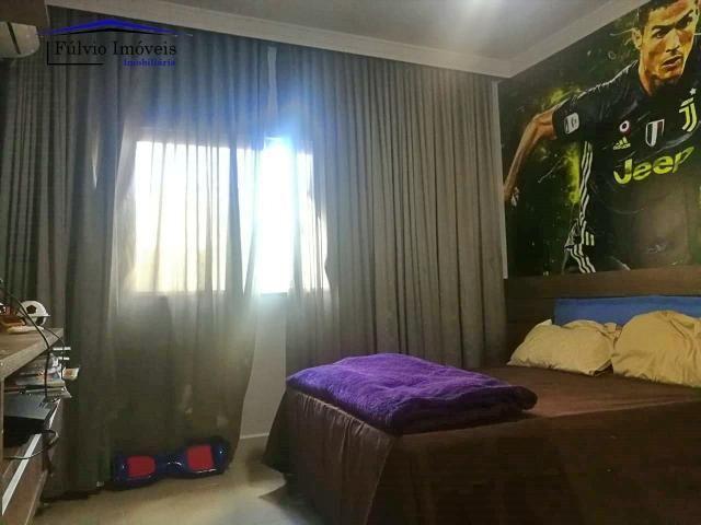 Maravilhosa casa moderna, completa em armários, ar condicionado, 05 quartos, 04 com suítes - Foto 5