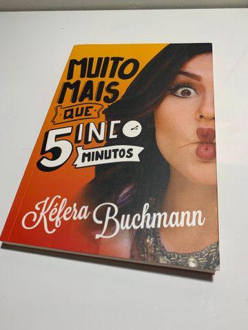 Livro Muito mais que 5inco minutos (Kéfera Buchmann)