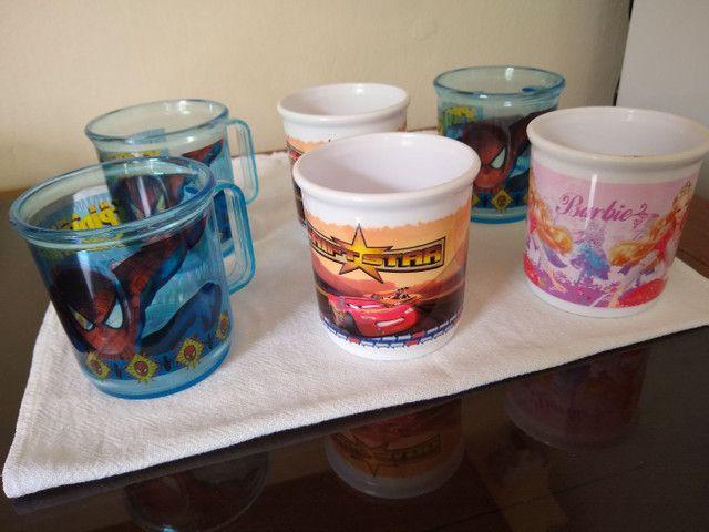 6 Canecas Infantis - Homem Aranha / Barbie / Carros - Estoque de Loja