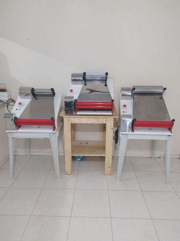 Modeladora abre massa de pizza até 45 cm