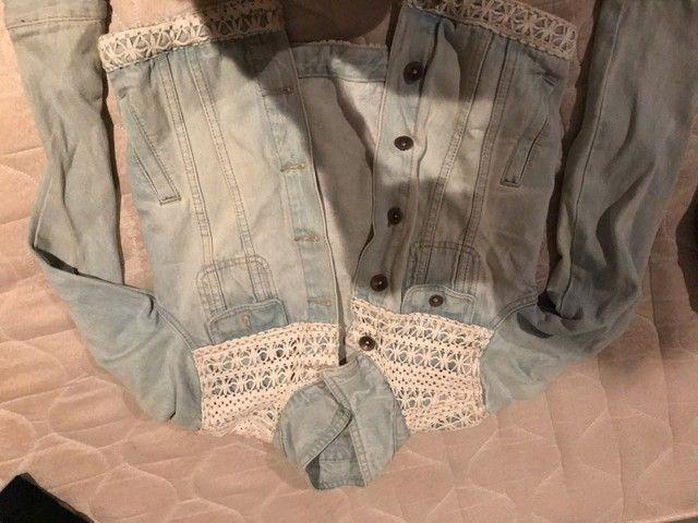 Jaqueta jeans com bordado  - Foto 4
