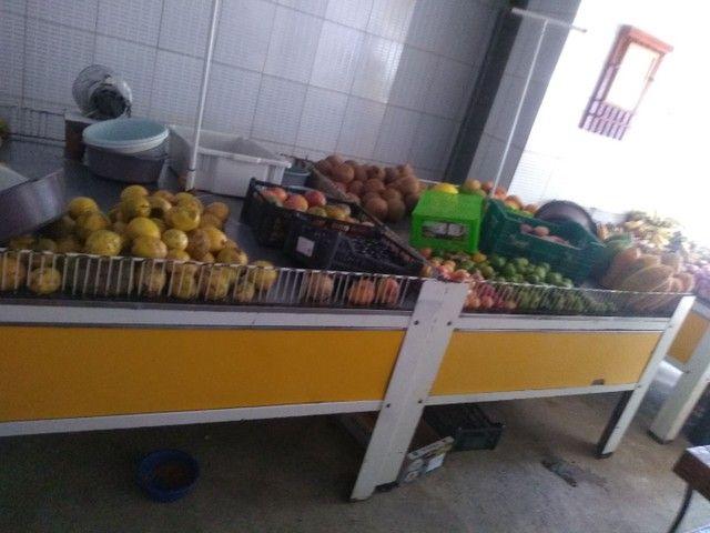 Bancas para frutas e verduras .