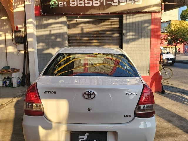 Toyota Etios 2014 1.5 x sedan 16v flex 4p manual - Foto 4