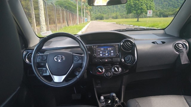 Toyota Etios Sedan 1.5 Platinum 2018 - Foto 7