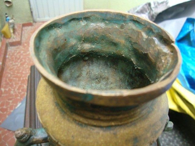 Esta peça é para colecionador: Moringa de Bronze sem data e sem marca de fábrica - Foto 3