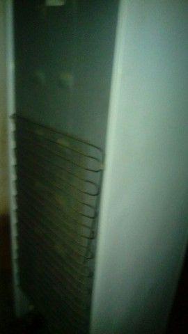 Geladeira usado mais gelando muito bem  - Foto 6