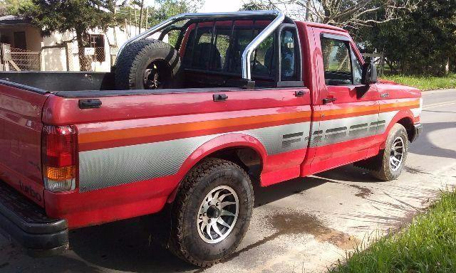 FORD F-1000 PICK UP
