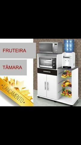 Balcão Fruteira, forno e Microondas.