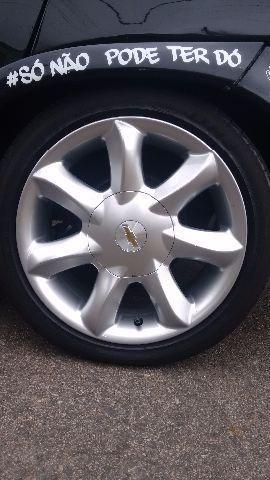 Rodas Santorine aro 15 pneus 185/45
