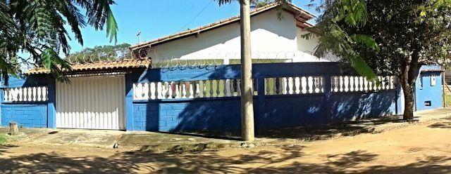 Casa com 3 quartos mobiliada pertinho da praia em setiba Ref. CA00124