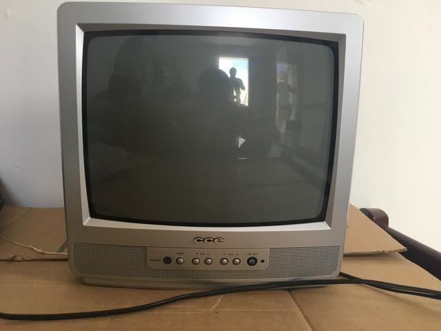 Tv cce 14 polegadas com suporte de parede