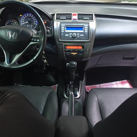 Honda City EX 1.5 flex automatico 2014 - Foto 17