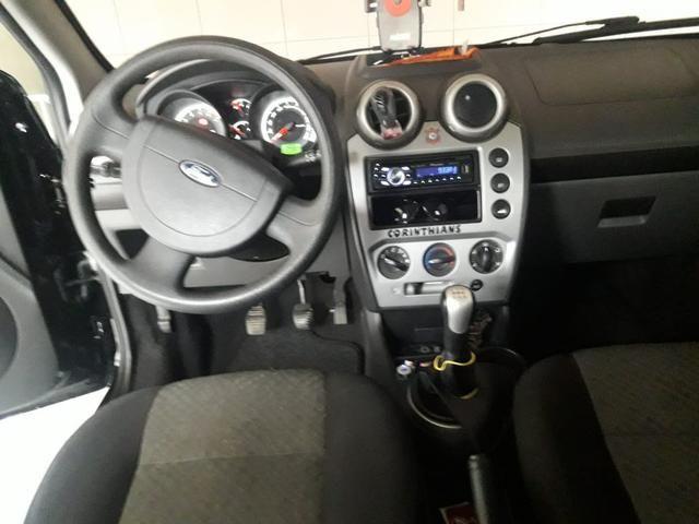 Ford Fiesta hatch class 1.6 - Foto 6