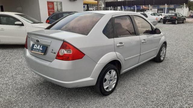 Fiesta Sedan 1.0 8V Flex 4p - Foto 4
