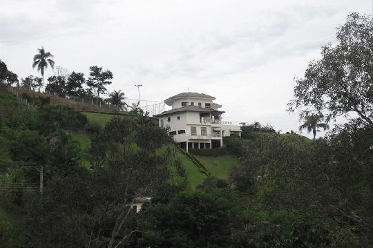 Casa à venda com 5 dormitórios em Recanto dos passaros, Igarata cod:V97295