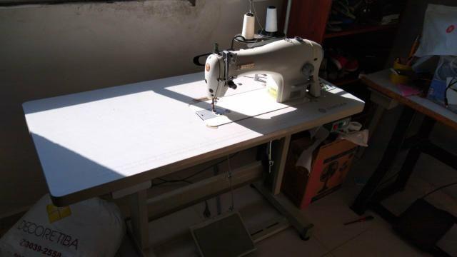 Máquina de costura e overloque - Foto 4