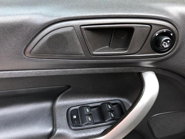 Fiesta 2012 new 1.6 flex completo + rodas de liga, carro impecável !!! - Foto 13
